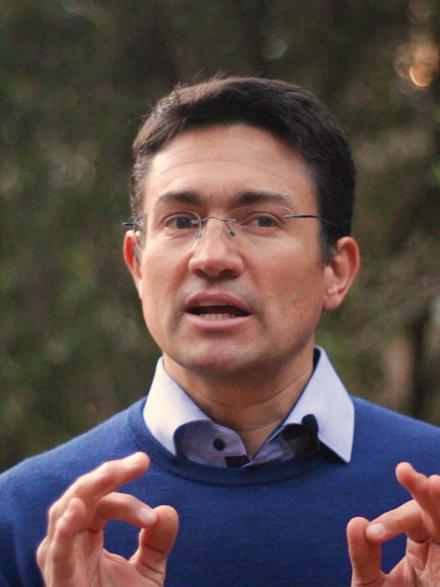 Dr Vladimir Canudas Romo